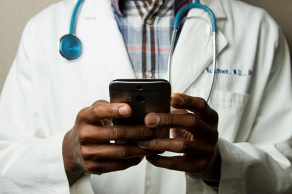 Quais sao as vantagens da telemedicina
