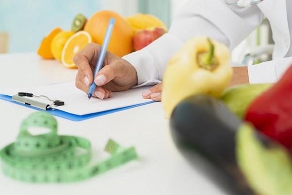 Diferença entre nutrólogo e nutricionista